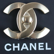 18 C Italy Vintage Authentic #L931 M Chanel Cc Turn Lock Pin Brooch Silver B