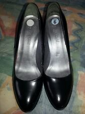 "Max De Carlo sz 6 B black glossy leather 3-3/4"" heel woman's platform pump Italy"