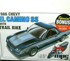 MPC Chevrolet El Camino SS 1986 Plastic Model Kit MPC888 & Bonus Trail Bike 1/25