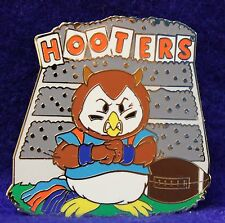 HOOTERS HOOTIE/OWL BLEACHERS COLLEGE FOOTBALL LAPEL PIN (BLUE OUTFIT/POM POMS)