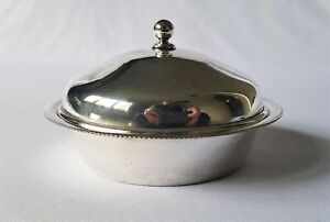 VINTAGE A1 SILVER PLATED LIDDED BON BON DISH WITH ITS ORIGINAL GLASS INSERT