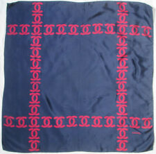 CHANEL  authentique  foulard 100% soie en TBEG vintage 77 X 77 cm