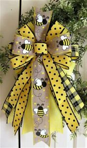 FARMHOUSE BUMBLEBEE WIRED  BOW WREATH LIGHT POST # 176