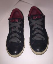 Converse Chuck Taylor All Stars Junior 3.5 In Black And Red Low Top Gray Laces