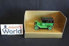 Ertl 1923 Ford Sedan Model T 1:43 Taxi, green (JMR)