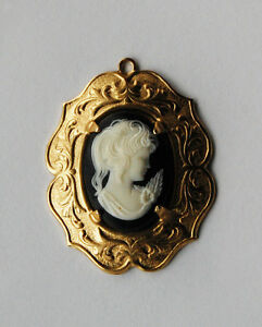 VINTAGE BRASS & PLASTIC CAMEO OVAL PENDANT ORNATE SETTING • 25x18mm