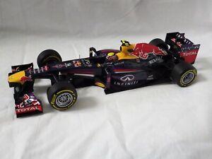 1:18 Minichamps MARK WEBBER 2013 Red Bull Renault RB9 Diecast F1 Car (No box) #2