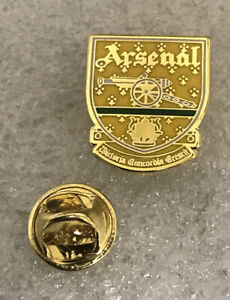 Arsenal Supporter Enamel Badge Very Rare Crest From 1990's