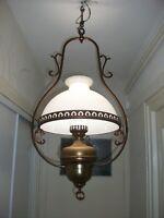 ANCIEN LUSTRE LAMPE SUSPENSION ÉLECTRIFIÉE ABAT-JOUR EN OPALINE H 90 cm