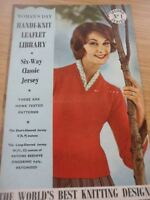 RARE VINTAGE 1950S PATONS 4 PLY KNITTING PATTERN LADIES SWEATERS +++  34 - 42 in