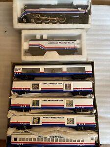 Lionel HO Train RARE American Freedom Train GS4 Steam Locomotive/Tender, Car Set