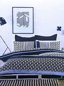 Saksen Geometric Navy Blue Black White 2pc Quilt / Doona Cover Set - Single Bed