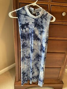 Justice girls tie dye dress, blue, size 18-20, so soft and comfy, back tie