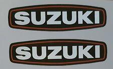 Suzuki Moteur Tête Générateur Housse Autocollant GT750 Range (Paire)