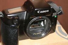 Canon EOS 1000F 35mm Fotocamera SLR Film Solo Corpo-BUONE CONDIZIONI-COMPLETAMENTE FUNZIONANTE.