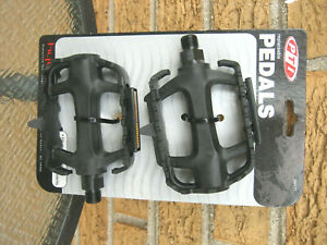 """PTI Bicycle PEDALS 9/16"""" inch PEDALS  Spindle Pedal Bike REPLACEMENT NEW rugged"""