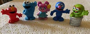 5 Sesame Street Friends Abby, Elmo, Oscar the Grouch, Grover, Cookie Monster