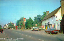 Postcard. THE BULL AND MAIN ROAD, HOCKLEY. Unused. Standard size.