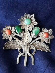ANTIQUE CHINESE SILVER CORAL AND JADE BROOCH.