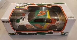 NASCAR 1:18 Terry Labonte 1998 Kelloggs Corn Flakes #5 Revell Collection in Box