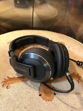 Pioneer HDJ 2000 Professional DJ Headphones