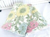 VINTAGE Cannon Royal Family Bath Towels Set of 2 Ivory w Pink & Blue Flowers