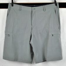 IZOD Golf Cargo Shorts  Sz  38