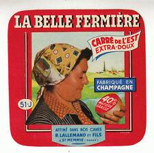 Etiquette de Fromage Ancienne  Carré de l'Est  La Belle Fermière  No 136