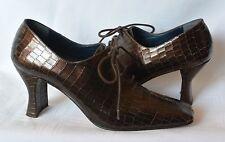 STUDIO DELMAN Brown Leather CROC Embossed Granny Tie Pump Heels STEAMPUNK 8.5 M
