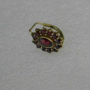 Einzelner Ohrring mit Granat länge -ca 1,5cm