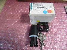 Siemens 3SB3000-4PD01-Z, Schlüsselschalter unbenutzt