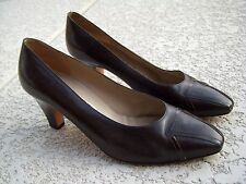Authentic Salvatore Ferragamo Women's Shoes Size 7.5 B Brown Color