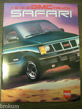 MINT 1992 GMC TRUCK SAFARI 25 PAGE SALES BROCHURE NEW (BOX 394)