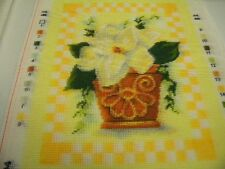 canevas dmc pot fleur jaune mercerie broderie dessin 24X28cm