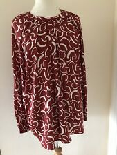 bnwt MARKS & SPENCER BLOUSON TOP UK 20 RED & CREAM GEOMETRIC PRINT SATIN FEEL
