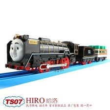 TOMY TRACKMASTER THOMAS & FRIENDS TS-07 HIRO + 2 TRUCKS MOTORIZED BATTERY TRAIN