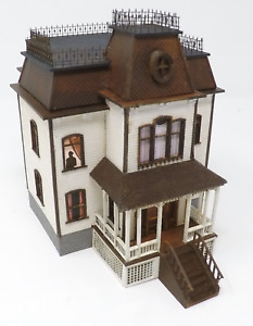 HO Scale Victorian House (Psycho) kit