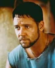 Russell Crowe Great Pose Gladiator 8X10 Color Photo
