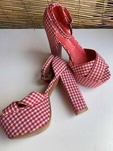 Jeffrey Campbell desiner shoes.Vintage inspired.12.5 cm heel.Brand New. Size 7.