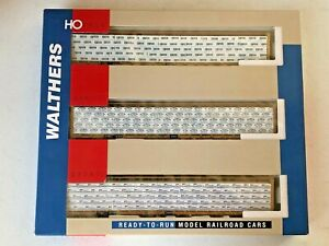 Walthers #932-34103 HO TTX-Std 72' Center Beam Flat Car (3-pack) w/wrapped loads