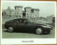 PORSCHE 928 S PRESS PHOTOGRAPH CIRCA 1983 BLACK & WHITE
