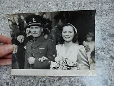 1945  PRESS PHOTO WW2 HERO  WEDDING  WOUNDED Monte Cassino.  HENRY L SAVILLE