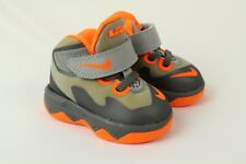 Nike Toddler Soldier VIII 8 Grey Orange Wolf Gray Size 2C