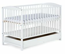 Babybett RADEK II 120x60 weiß mit Schublade Kinderbett Gitterbett