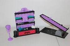MONSTER HIGH CREATE-A-MONSTER COLOR ME CREEPY DESIGN CHAMBER shoes leg doll part