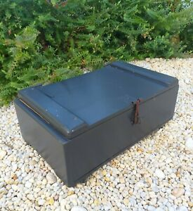 GORGEOUS VINTAGE RUSTIC PINE SOLID TIMBER STORAGE BOX