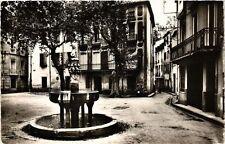 CPA CERET Place de la Fontaine des Neufs Jets (375932)