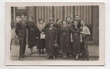 CARTE PHOTO Devanture Fabrique de Maroquinerie AMP Paris Employés vers 1920