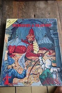 TSR D&D Dungeons and Dragons rpg box 1979 1001 basic set holmes