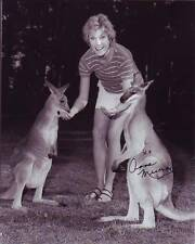 ANNE MURRAY signed autographed w/ KANGAROOS photo